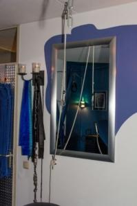 _MG_3681-Spiegels-niet-alleen-vergrote-ze-een-ruimte-ik-heb-ze-ook-op-tactische-plekken-hangen-voor-mij-dan-.jpg